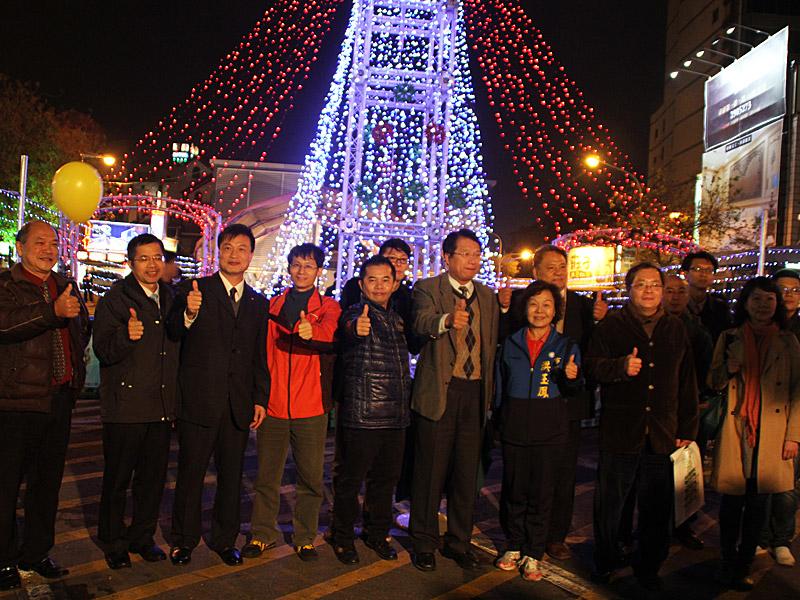 全台首創以手做招財貓為主題的耶誕燈節 海安耶誕貓燈飾歡樂party正式啟動